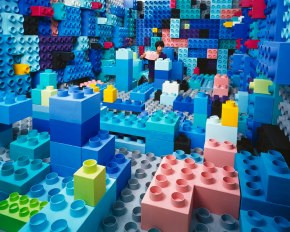 Zelfportret JeeYoung Lee in LEGO decor Seoul
